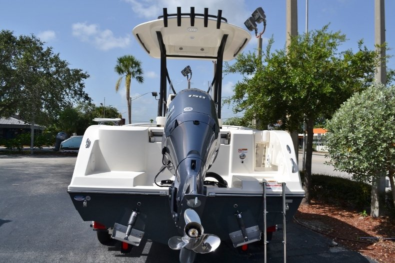 Thumbnail 4 for New 2018 Cobia 201 Center Console boat for sale in Miami, FL