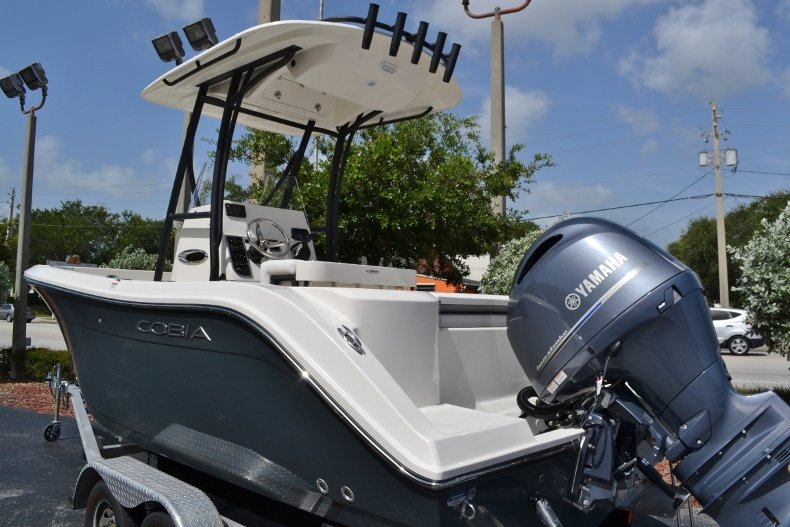 Thumbnail 3 for New 2018 Cobia 201 Center Console boat for sale in Miami, FL