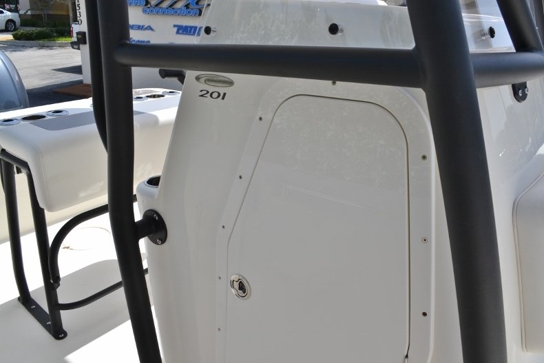 Thumbnail 14 for New 2018 Cobia 201 Center Console boat for sale in Miami, FL