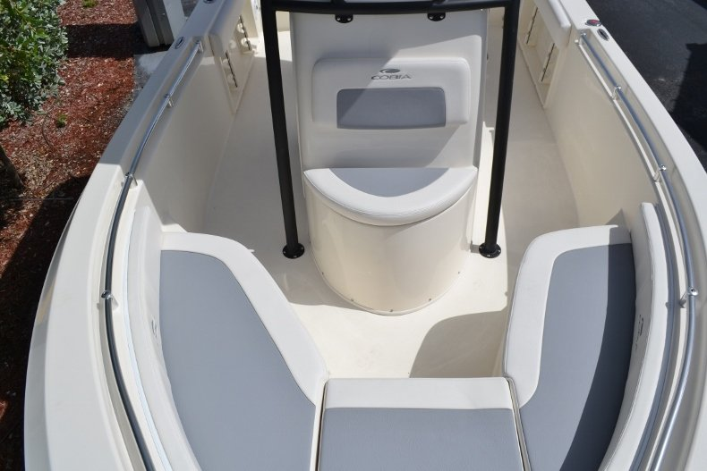 Thumbnail 12 for New 2018 Cobia 201 Center Console boat for sale in Miami, FL