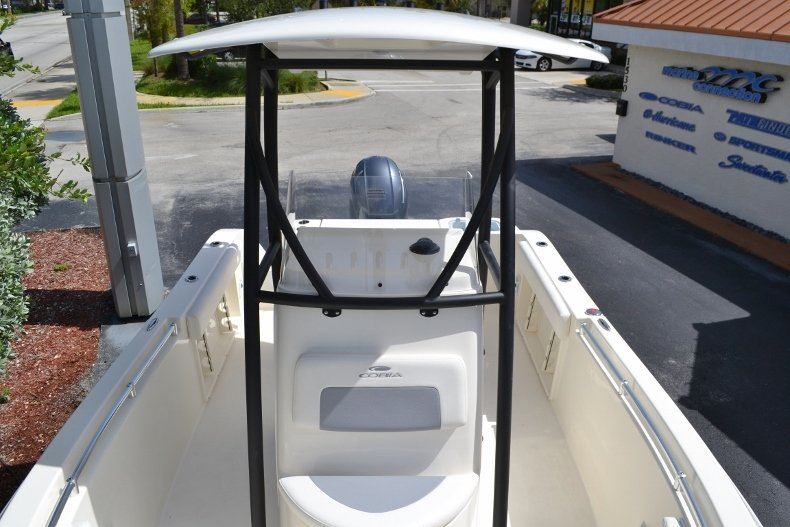 Thumbnail 13 for New 2018 Cobia 201 Center Console boat for sale in Miami, FL