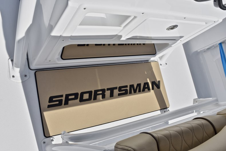 Thumbnail 34 for New 2018 Sportsman Heritage 211 Center Console boat for sale in Miami, FL