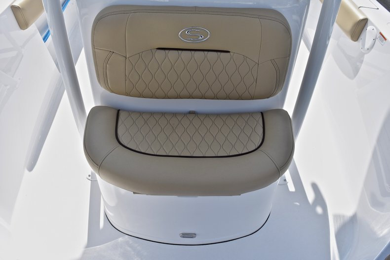 Thumbnail 39 for New 2018 Sportsman Heritage 211 Center Console boat for sale in Miami, FL
