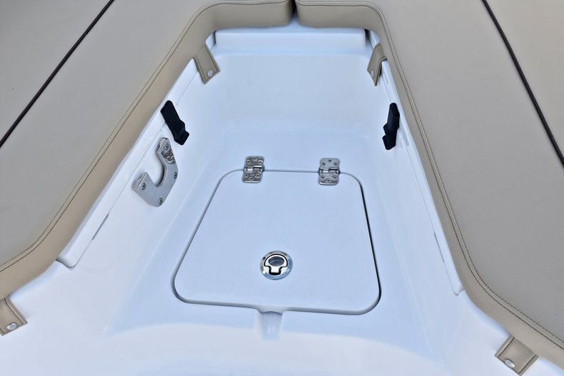 Thumbnail 41 for New 2018 Sportsman Heritage 211 Center Console boat for sale in Miami, FL