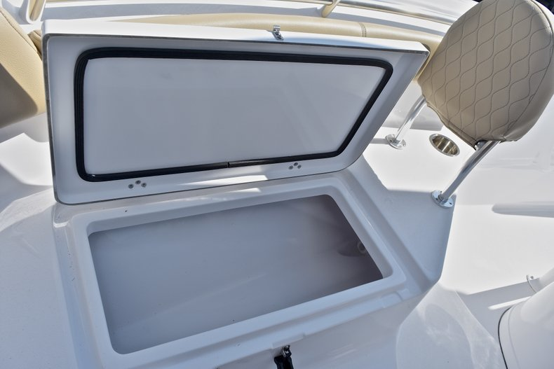 Thumbnail 46 for New 2018 Sportsman Heritage 211 Center Console boat for sale in Miami, FL
