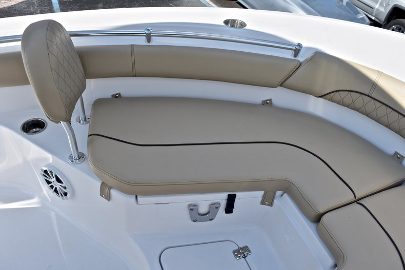 Thumbnail 43 for New 2018 Sportsman Heritage 211 Center Console boat for sale in Miami, FL