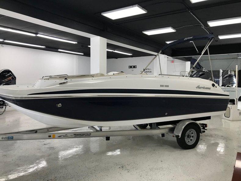 Thumbnail 2 for New 2018 Hurricane 188 SunDeck Sport OB boat for sale in Miami, FL