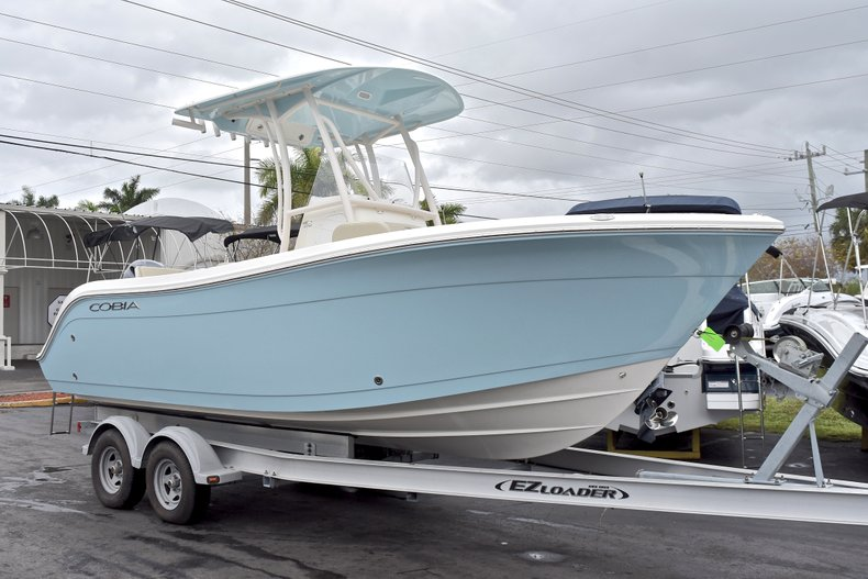 Thumbnail 1 for New 2018 Cobia 220 Center Console boat for sale in Miami, FL
