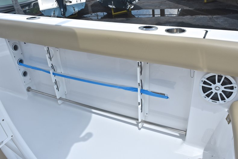 Thumbnail 18 for New 2018 Sportsman Heritage 231 Center Console boat for sale in Miami, FL