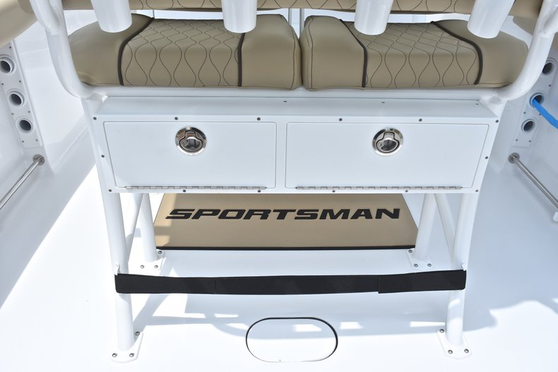 Thumbnail 20 for New 2018 Sportsman Heritage 231 Center Console boat for sale in Miami, FL