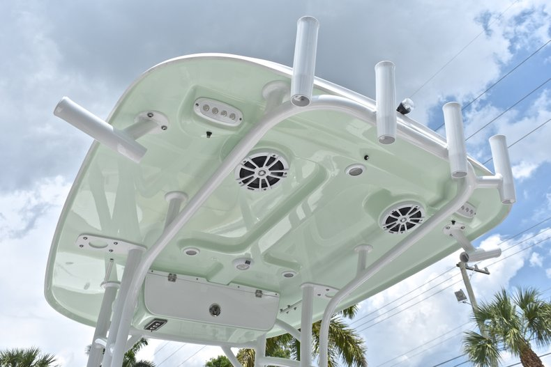 Thumbnail 24 for New 2018 Sportsman Heritage 231 Center Console boat for sale in Miami, FL