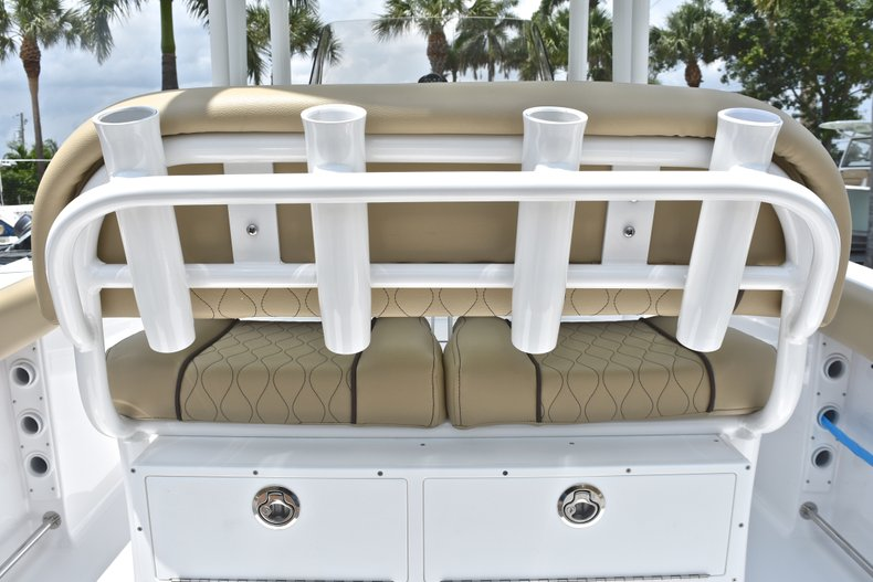 Thumbnail 22 for New 2018 Sportsman Heritage 231 Center Console boat for sale in Miami, FL