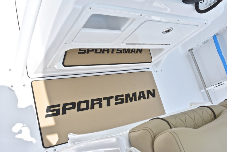 Thumbnail 37 for New 2018 Sportsman Heritage 231 Center Console boat for sale in Miami, FL