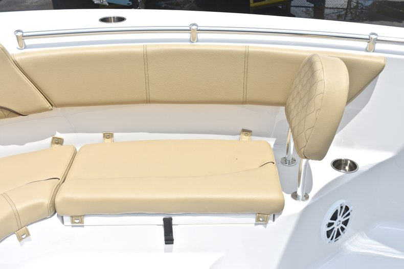Thumbnail 52 for New 2018 Sportsman Heritage 231 Center Console boat for sale in Miami, FL