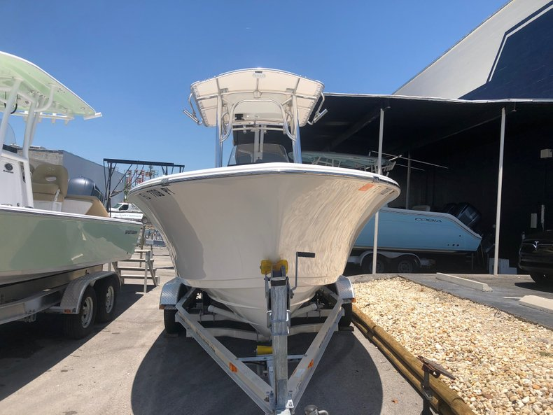 Thumbnail 2 for Used 2015 Sportsman Open 212 Center Console boat for sale in Miami, FL