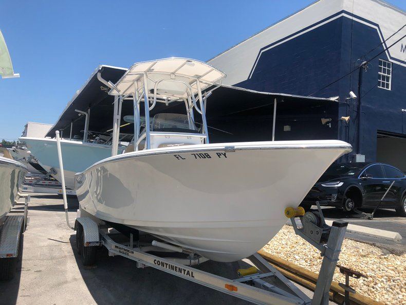 Thumbnail 1 for Used 2015 Sportsman Open 212 Center Console boat for sale in Miami, FL