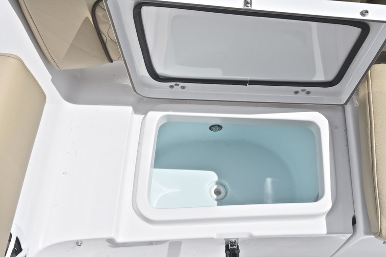 Thumbnail 12 for New 2018 Sportsman Heritage 231 Center Console boat for sale in Miami, FL