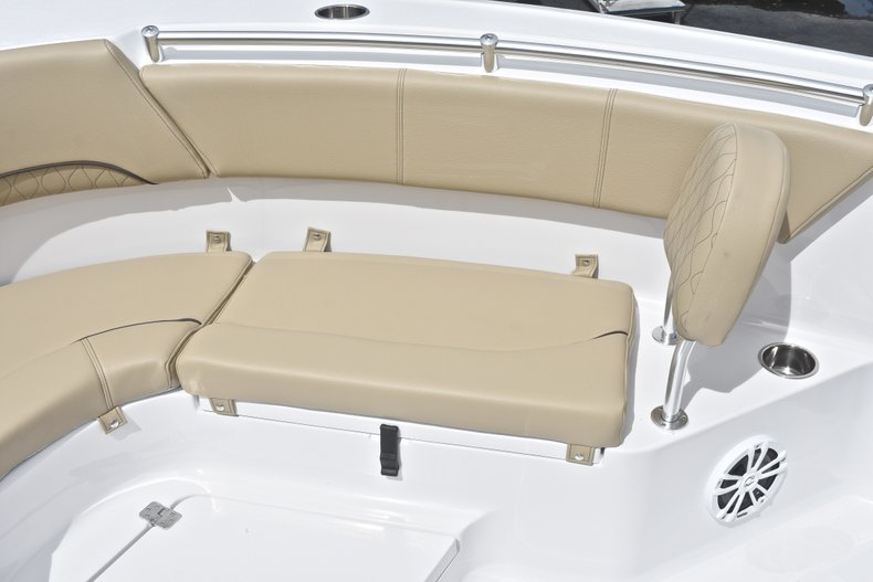 Thumbnail 46 for New 2018 Sportsman Heritage 231 Center Console boat for sale in Miami, FL