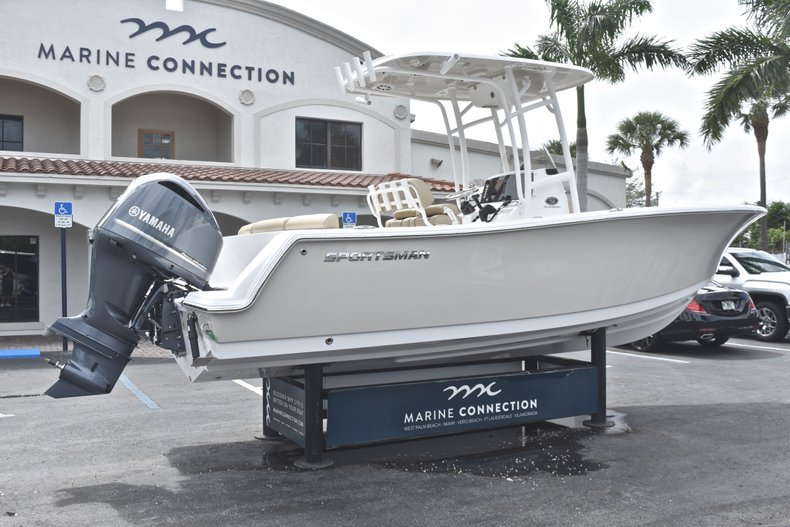 Thumbnail 7 for New 2018 Sportsman Heritage 231 Center Console boat for sale in Miami, FL