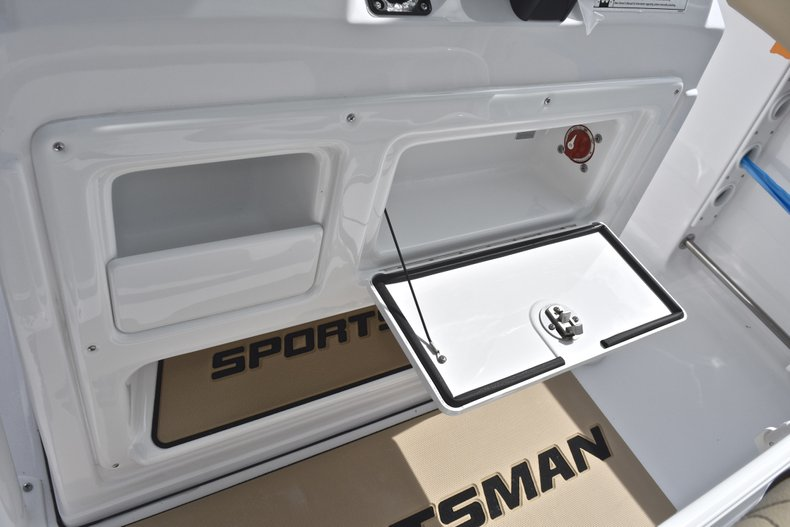 Thumbnail 34 for New 2018 Sportsman Heritage 231 Center Console boat for sale in Miami, FL