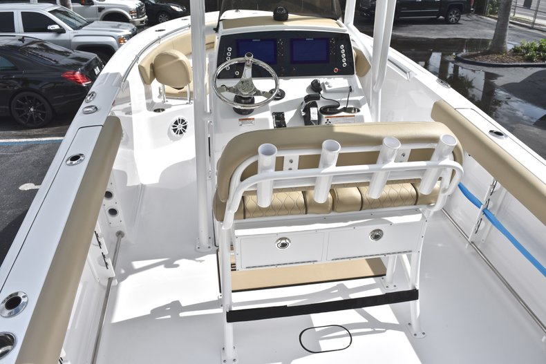 Thumbnail 8 for New 2018 Sportsman Heritage 231 Center Console boat for sale in Miami, FL