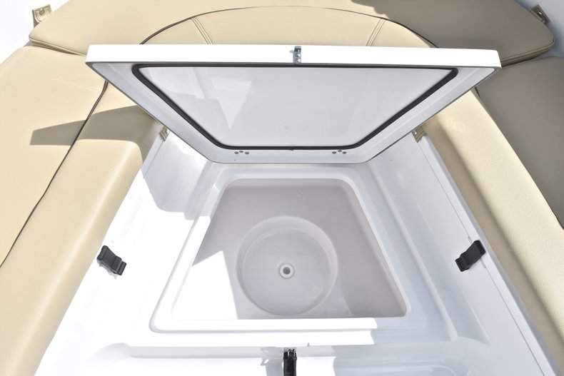Thumbnail 41 for New 2018 Sportsman Heritage 231 Center Console boat for sale in Miami, FL