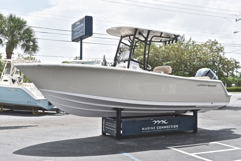 Thumbnail 4 for New 2019 Sportsman Heritage 231 Center Console boat for sale in Miami, FL