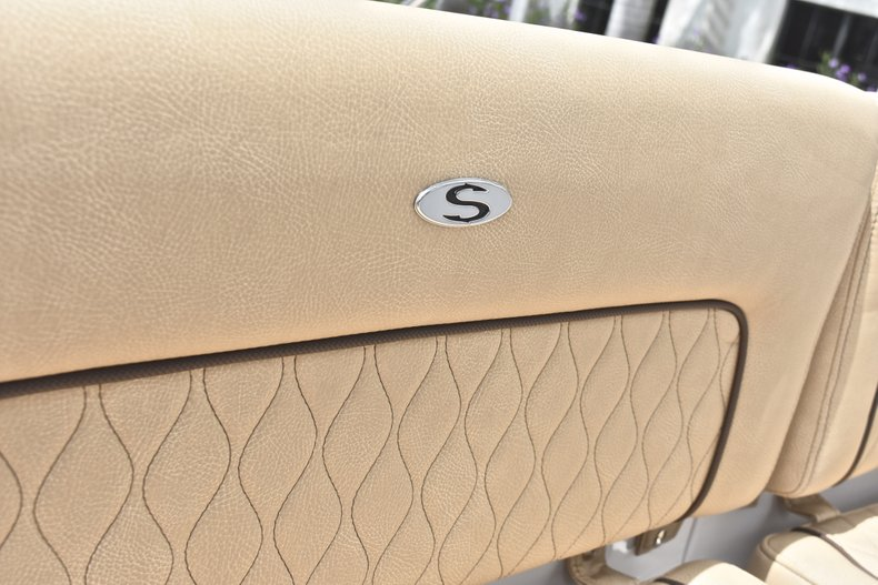 Thumbnail 17 for New 2019 Sportsman Heritage 231 Center Console boat for sale in Miami, FL