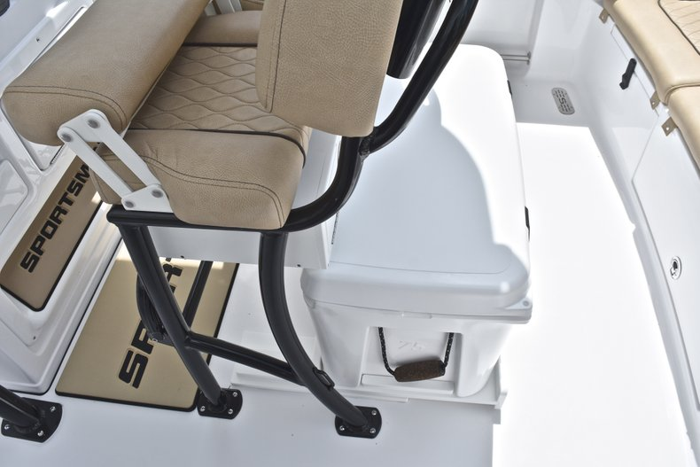 Thumbnail 25 for New 2019 Sportsman Heritage 231 Center Console boat for sale in Miami, FL