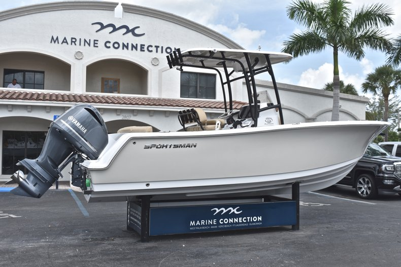 Thumbnail 8 for New 2019 Sportsman Heritage 231 Center Console boat for sale in Miami, FL