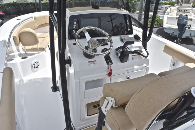 Thumbnail 31 for New 2019 Sportsman Heritage 231 Center Console boat for sale in Miami, FL