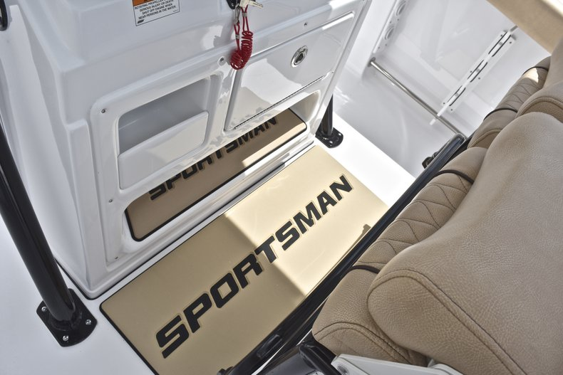 Thumbnail 40 for New 2019 Sportsman Heritage 231 Center Console boat for sale in Miami, FL