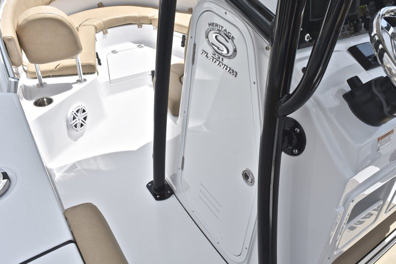 Thumbnail 44 for New 2019 Sportsman Heritage 231 Center Console boat for sale in Miami, FL