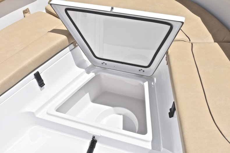 Thumbnail 54 for New 2019 Sportsman Heritage 231 Center Console boat for sale in Miami, FL