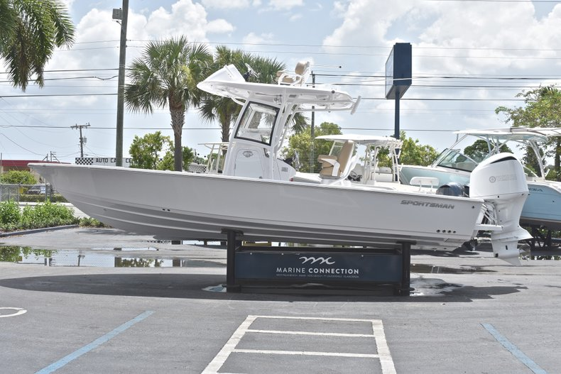 Thumbnail 4 for New 2019 Sportsman Masters 267 Bay Boat boat for sale in Miami, FL