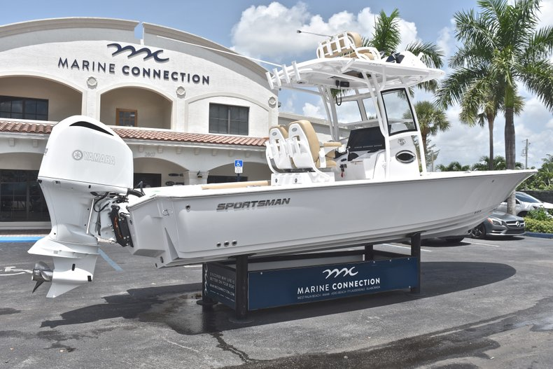 Thumbnail 7 for New 2019 Sportsman Masters 267 Bay Boat boat for sale in Miami, FL