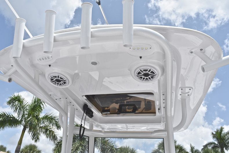 Thumbnail 43 for New 2019 Sportsman Masters 267 Bay Boat boat for sale in Miami, FL