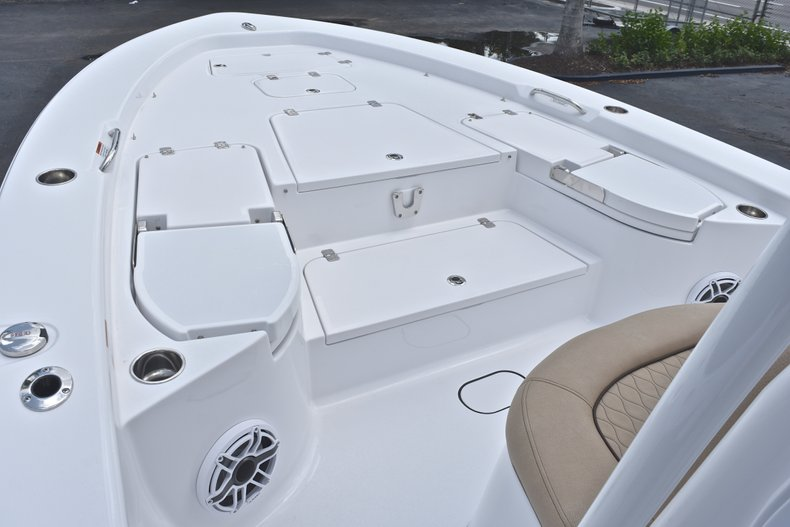 Thumbnail 62 for New 2019 Sportsman Masters 267 Bay Boat boat for sale in Miami, FL