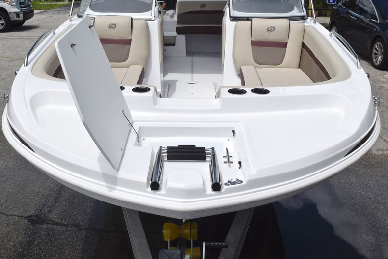 Thumbnail 3 for New 2019 Hurricane 217 SunDeck OB boat for sale in West Palm Beach, FL