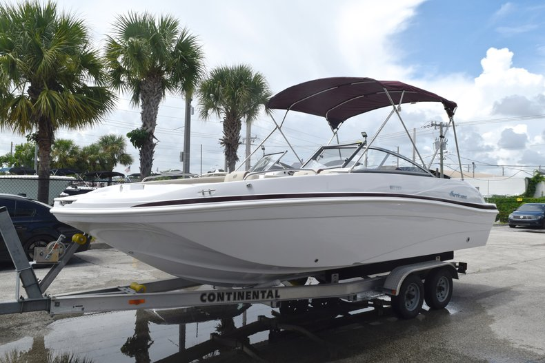 Thumbnail 4 for New 2019 Hurricane 217 SunDeck OB boat for sale in West Palm Beach, FL