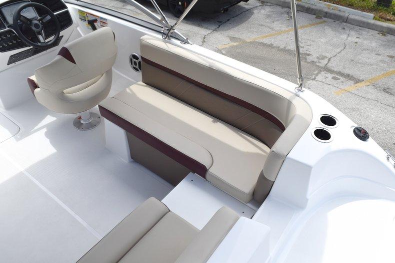 Thumbnail 14 for New 2019 Hurricane 217 SunDeck OB boat for sale in Miami, FL