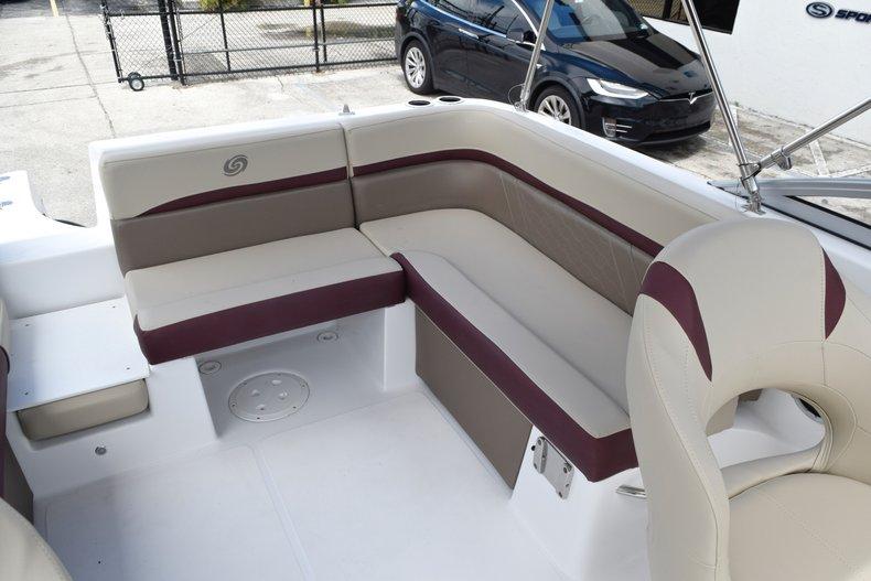 Thumbnail 19 for New 2019 Hurricane 217 SunDeck OB boat for sale in Miami, FL