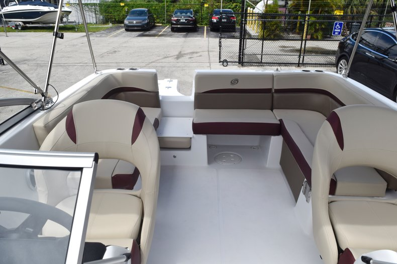 Thumbnail 13 for New 2019 Hurricane 217 SunDeck OB boat for sale in West Palm Beach, FL