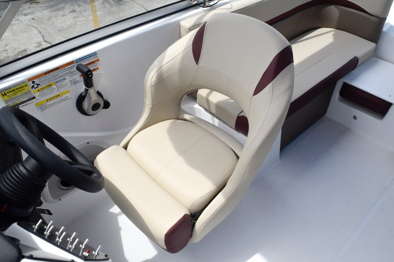 Thumbnail 30 for New 2019 Hurricane 217 SunDeck OB boat for sale in West Palm Beach, FL