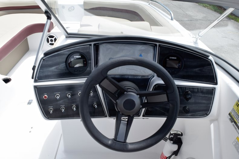 Thumbnail 31 for New 2019 Hurricane 217 SunDeck OB boat for sale in West Palm Beach, FL