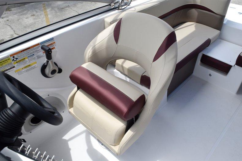 Thumbnail 29 for New 2019 Hurricane 217 SunDeck OB boat for sale in Miami, FL