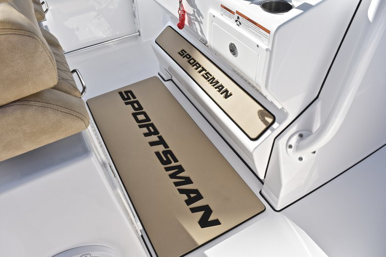 Thumbnail 68 for New 2019 Sportsman Open 312 Center Console boat for sale in Miami, FL