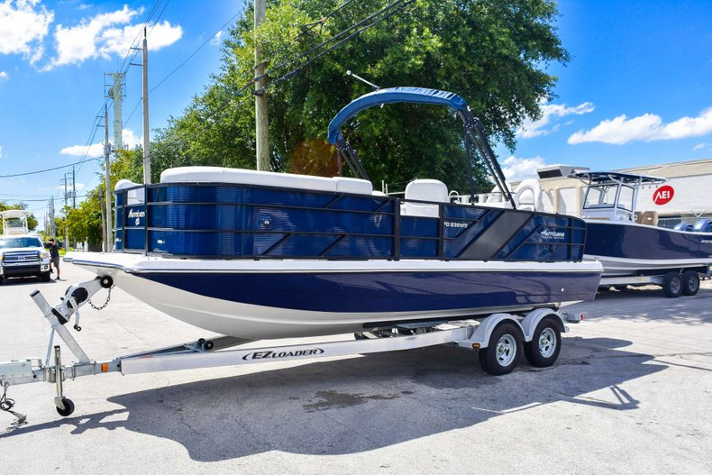 Thumbnail 3 for New 2019 Hurricane FunDeck FD 236 Wet Bar OB boat for sale in Miami, FL