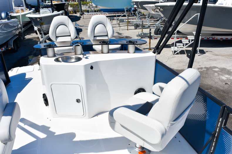 Thumbnail 47 for New 2019 Hurricane FunDeck FD 236 Wet Bar OB boat for sale in Miami, FL