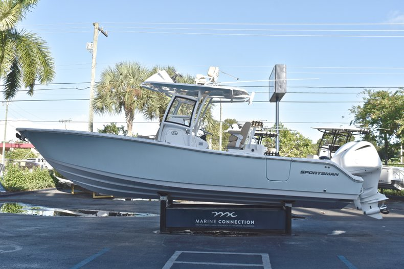 Thumbnail 5 for New 2019 Sportsman Open 282 TE Center Console boat for sale in Miami, FL